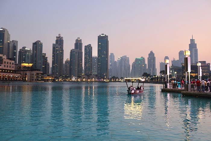 Dubai Creek beim Sonnenuntergang