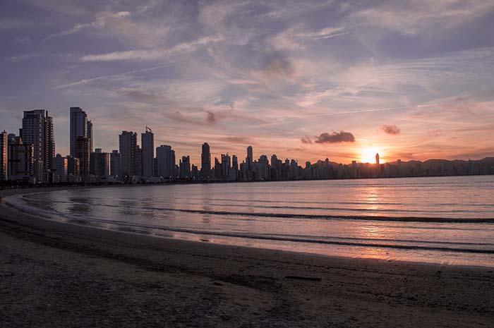 Dubai Strand beim Sonnenuntergang
