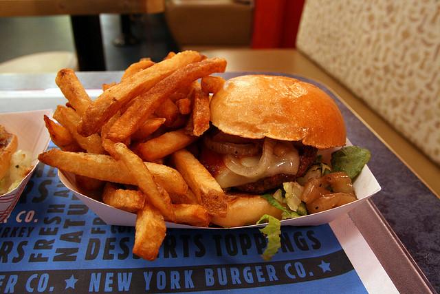 die 10 besten burger restaurants in new york checkfelix blog. Black Bedroom Furniture Sets. Home Design Ideas