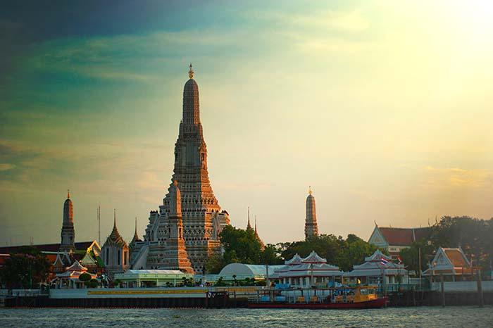 Highlight in Bangkok iWat Arun