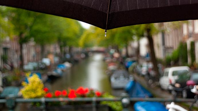 Regen in Amsterdam im Sommer