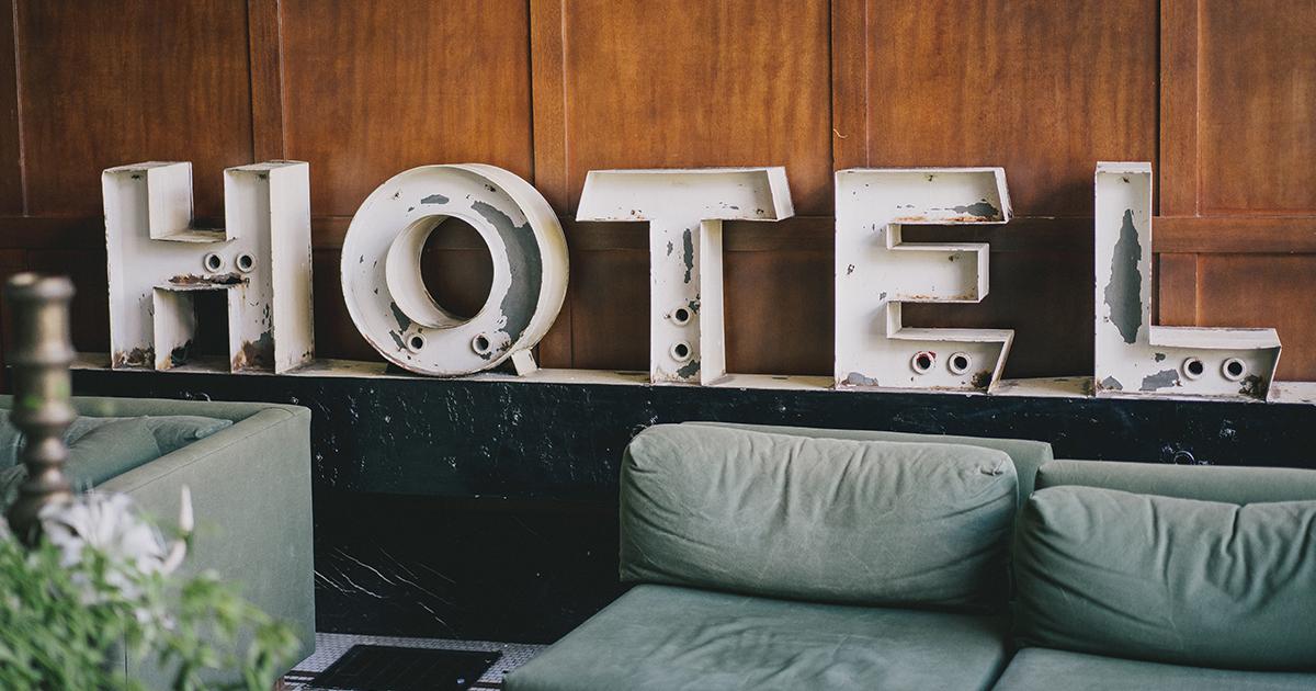 hotel oder ferienunterkunft so viel kostet die unterkunft. Black Bedroom Furniture Sets. Home Design Ideas
