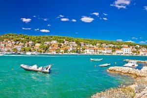Buchten und türkisfarbenes Meer, Kroatien