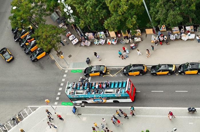 Bus und Taxi Flughafentransfer Barcelona